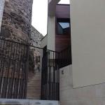 Vista del cubillo y la muralla, junto al acceso.