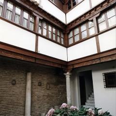 Casa patio en la Plaza del Colegio de Infantes, Toledo