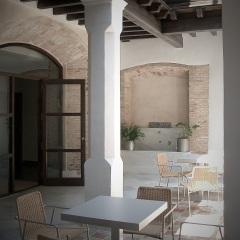Rehabilitación antigua fábrica de harinas para hotel restaurante